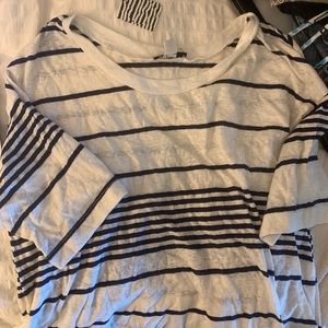UO t shirt NWT